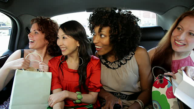 girlfriends-shopping-groupon-coupons-patranila-project