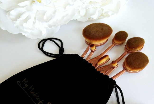 Get A Flawless Finish With My Makeup Brush Set